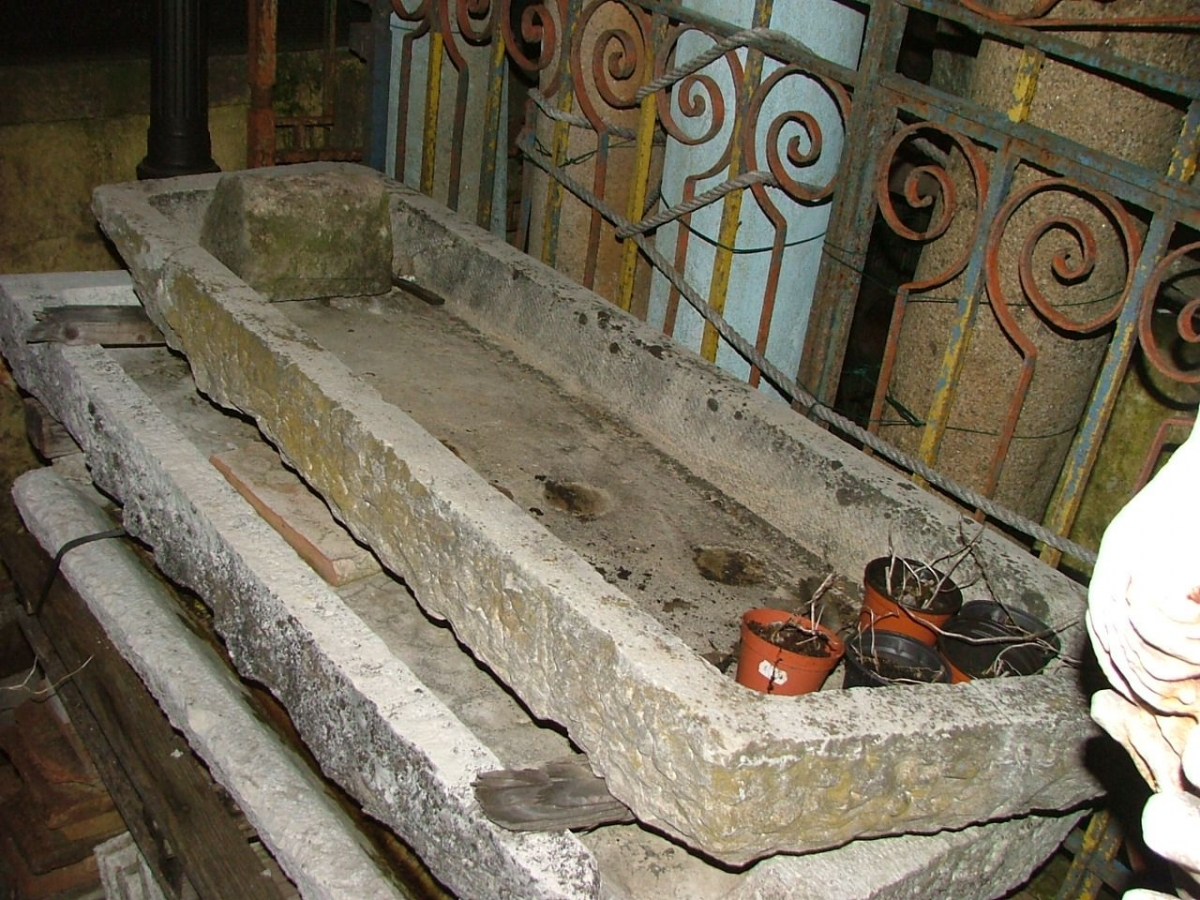 Vasche e fontane lavelli lombardi in pietra - Vasche da bagno in pietra ...