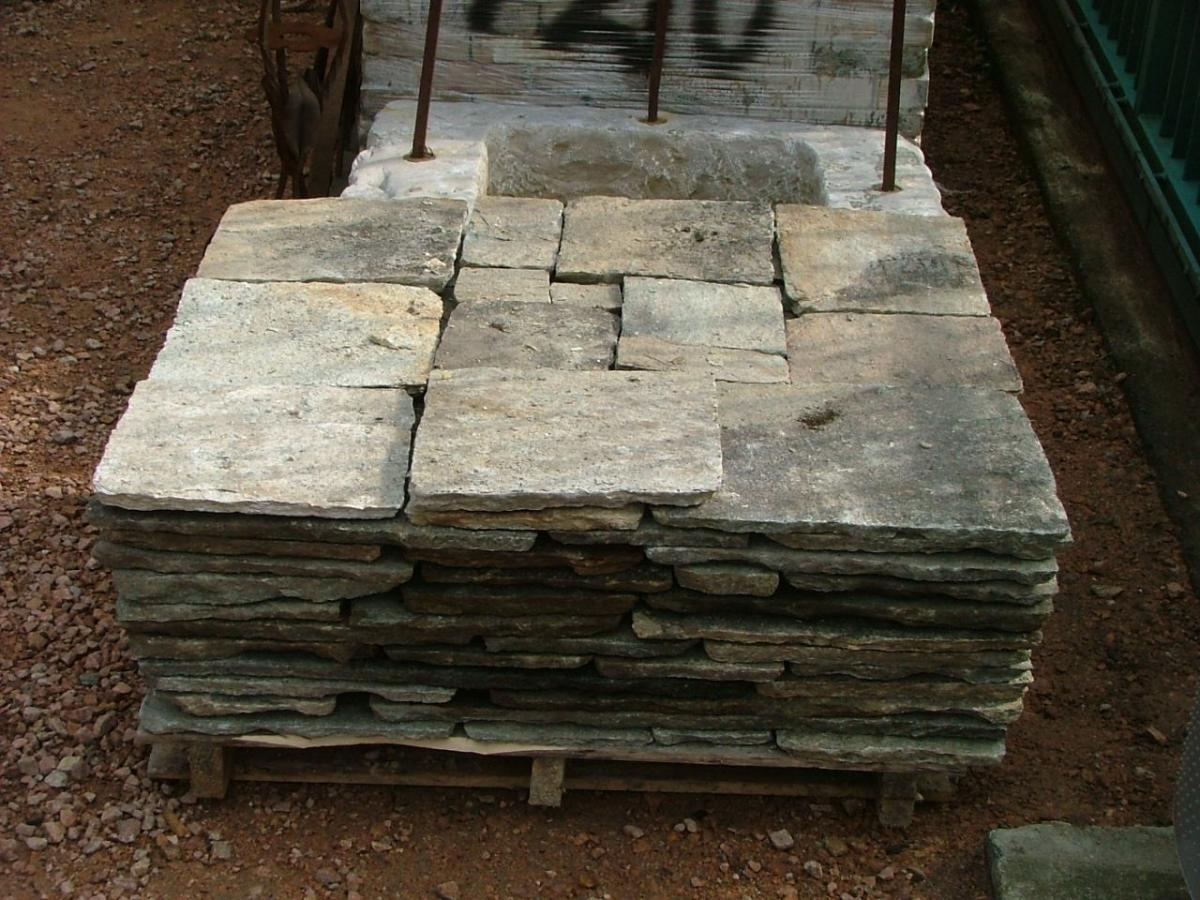 Pavimenti e gradini pavimento in pietra - Gradini in pietra per scale esterne ...