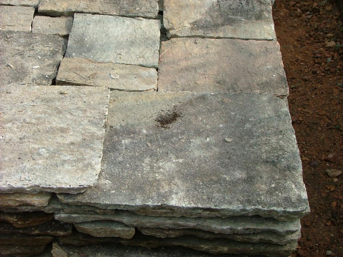 Pavimento per gradini rivestimento in legno per gradini for Scalini in cotto prezzi